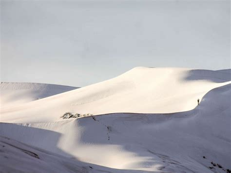 snowfall in sahara desert rare snowfall hits the sahara desert abc news