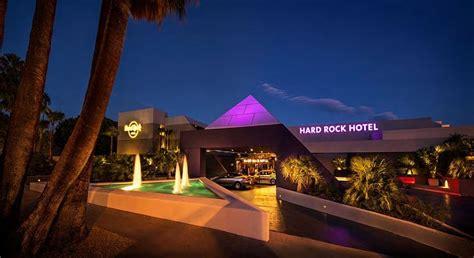 Rock Garden Cafe Palm Springs Rock Hotel In Palm Springs Decoist
