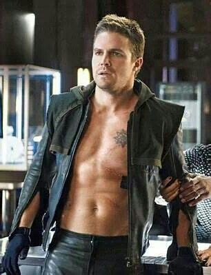 happy birthday stephen amell check out 32 shirtless oliver queen get his scars bing images