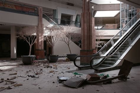 lincoln malls photos inside the abandoned lincoln mall in matteson 2
