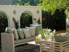 outdoor room seating area
