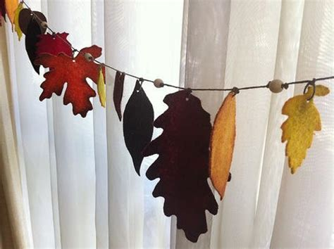 Handmade Garland - 45 craft ideas for handmade garlands recycling felt pieces