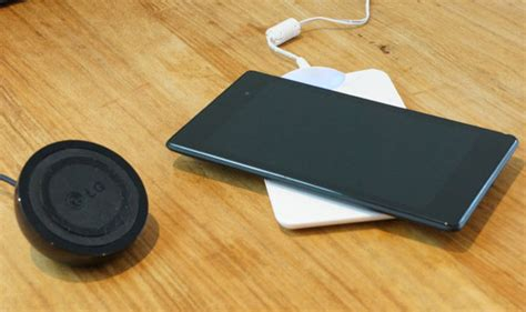 nexus qi tablet to buy review new nexus 7 qi wireless charging with universal chargers tablets magazine