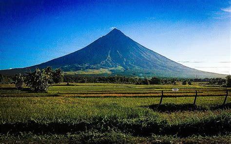 Around The World 20 20 of the most terrifying volcanoes around the world