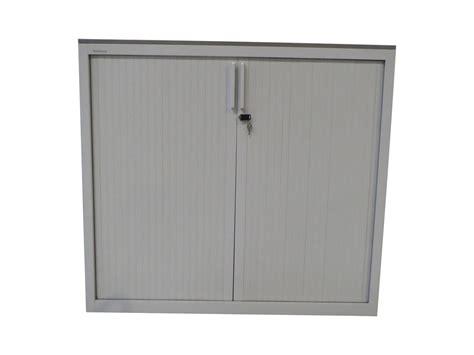 armoire à rideaux occasion armoire 224 rideaux blanche 120x130 mod 232 le d exposition adopte un bureau