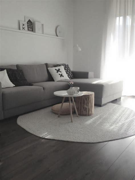 teppich sofa anordnung 30 runde teppiche und beispiele wie den zimmer look