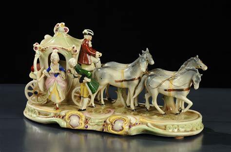 carrozze con cavalli gruppo in ceramica raffigurante carrozza con cavalli