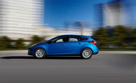Ford Focus Se 2013 by Car And Driver