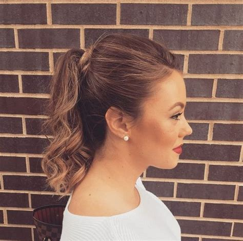 thin hair pony tail 20 eye catching ways to style curly and wavy ponytails