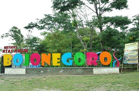 tempat wisata  asyik  bojonegoro travelounge indonesia