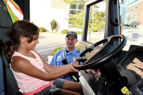 Police Residents Engage In National Night Out News