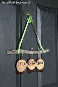 Owl Decor How To Make Adorable Wood Slice Owl Ornaments And An Owl Tree