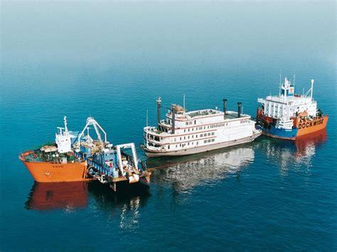 boatswain heavy lift vessel top top urgent