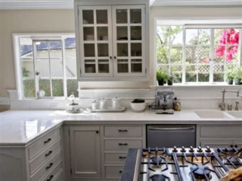 white kitchen cabinets with glass tile backsplash white kitchen cabinets with glass tile backsplash smith