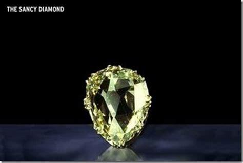 Intan Brukat Dina Biru Co 10 batu permata paling mahal di dunia
