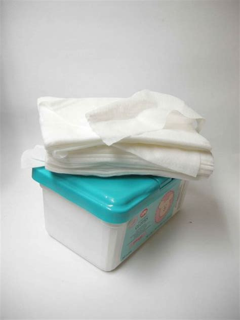 How To Make Baby Wipes With Paper Towels - how to make your own decomposable baby wipes