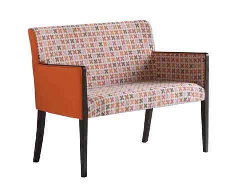 divanetti per ufficio divanetto imbottito in faggio per uffici eleganti idfdesign