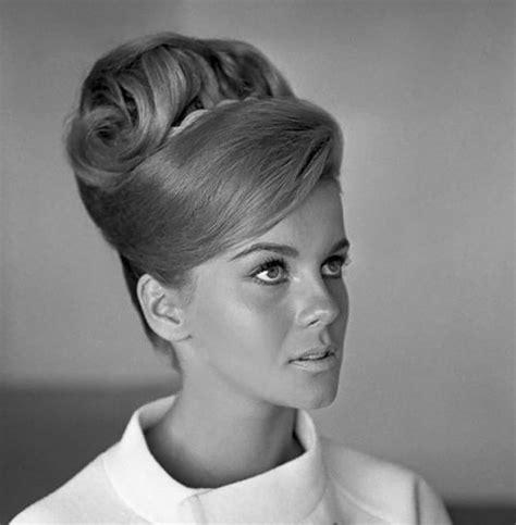 womens pubic hair 1960s rip margaret vinci heldt designer of the beehive hairdo