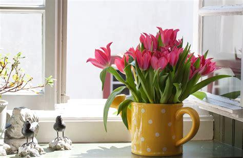 fensterbrett dekoration joaca de a primăvara să iți inflorești casa