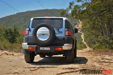2014 Toyota Fj Cruiser Review by 2014 Toyota Fj Cruiser Review Performancedrive