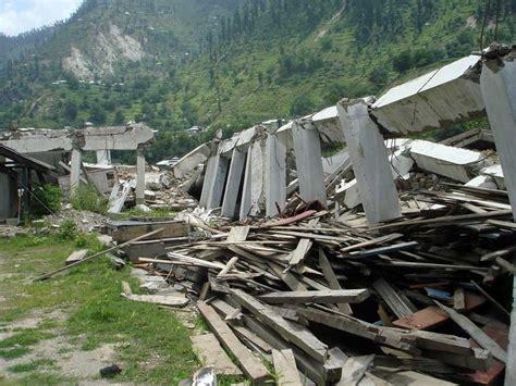 earthquake architecture chile earthquake rebuilding shelter design architect e