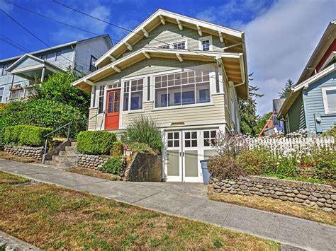astoria house rentals 2br astoria house w porch serene river homeaway astoria
