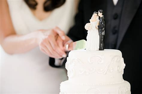 Christian Wedding Cake by Christian Wedding Symbols The Meaning The Traditions