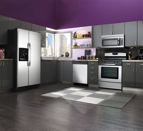 Accent Color For White And Gray Kitchen by White Grey Kitchen With Black Accent Homescorner Com