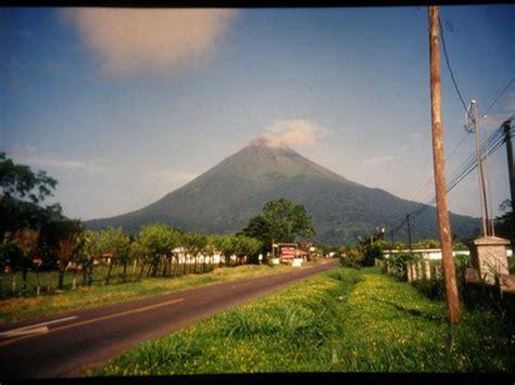 costa rica turisti per caso il vulcano arenal viaggi vacanze e turismo turisti per