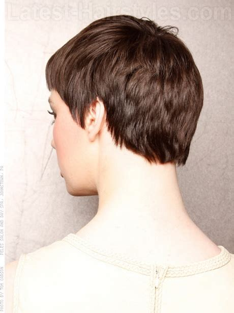 pixie wispy haircut front and back view pixie haircut from the back