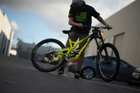 commencal supreme dh commencal supreme dh v4 neues downhill race bike