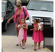 Full Sized Photo Of Kate Gosselin Matching Pink Outfits 04