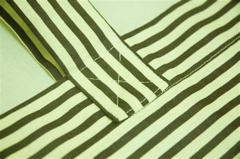 Tas Bahu 2 Resleting Hello craftalova tutorial tas bahu garis garis simple striped