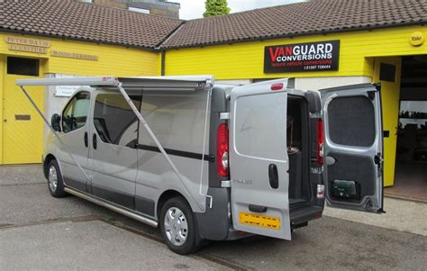 vivaro awning renault trafic with the fiamma f45 awning vanguard