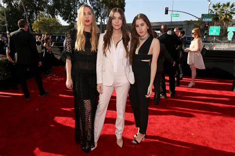 grammys 2015 news nominations gossip pictures video grammys red carpet and winners stop drop