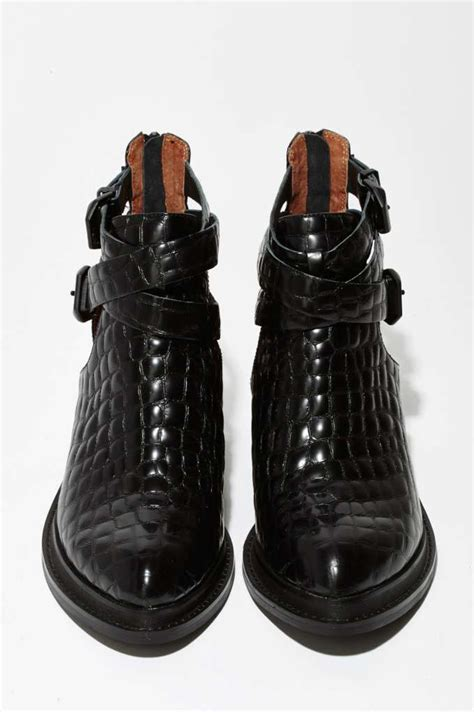 Ac 6424 Black 25 best ideas about festival boots on