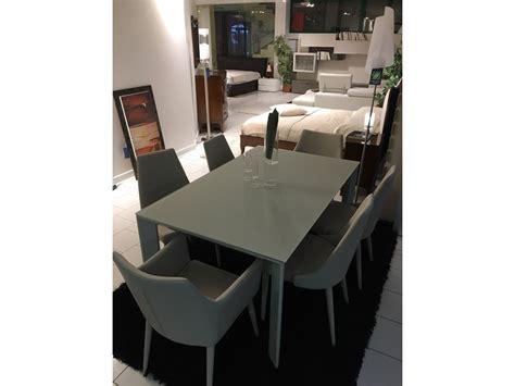 sedie per tavolo in cristallo tavolo allungabile in cristallo temperato con sedie in