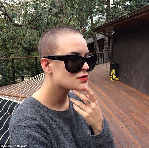 rumer willis reveals shaved hairstyle days after sister tallulah rumer willis reveals shaved hairstyle days after sister