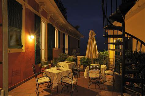immagini arredate terrazze arredate e illuminate foto di residence le