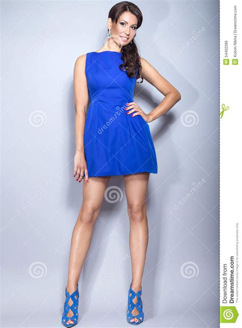 viagra commercial actress brunette blue dress whos the brunette in the blue dress in the viagra