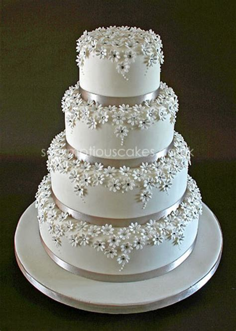 Best 25  Daisy wedding cakes ideas on Pinterest   Daisy