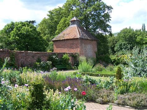 240 Yard Home Design file eastcote house gardens dovecote jpg wikipedia
