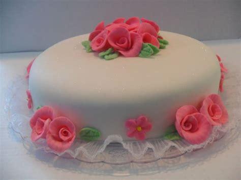 como decorar um bolo pasta americana dicas de bolos decorados pasta americana culin 225 ria