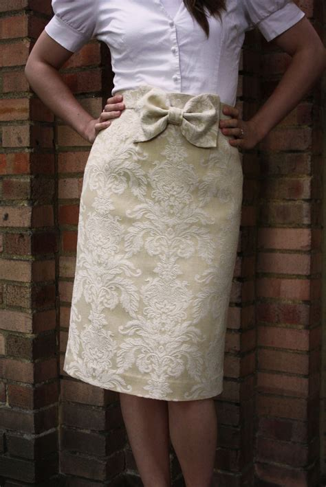 curtain skirt gold vintage curtain skirt sewing projects burdastyle com