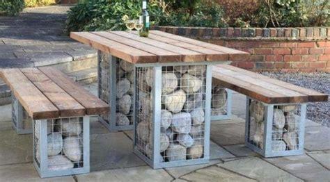 mesa piedra jardin mesa de jard 237 n de piedra y madera im 225 genes y fotos