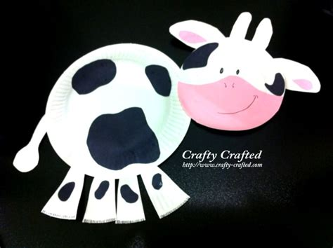 Cow Paper Plate Craft - crafty crafted crafts for children 187 cow