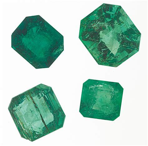 emerald gemstone buzz