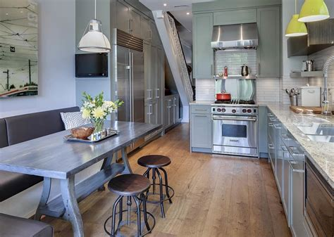 Wellesley Kitchen by Whole Home Renovation Toronto