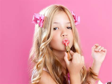 tween teenage girls helping your tween daughter choose the right clothes ali