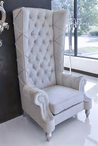 Baroque high back chair light gray